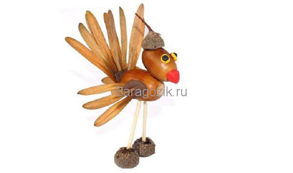 птица из желудей