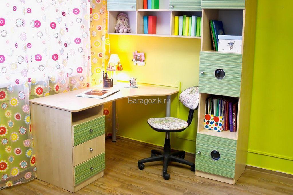 Угловой школьный стол для дома
