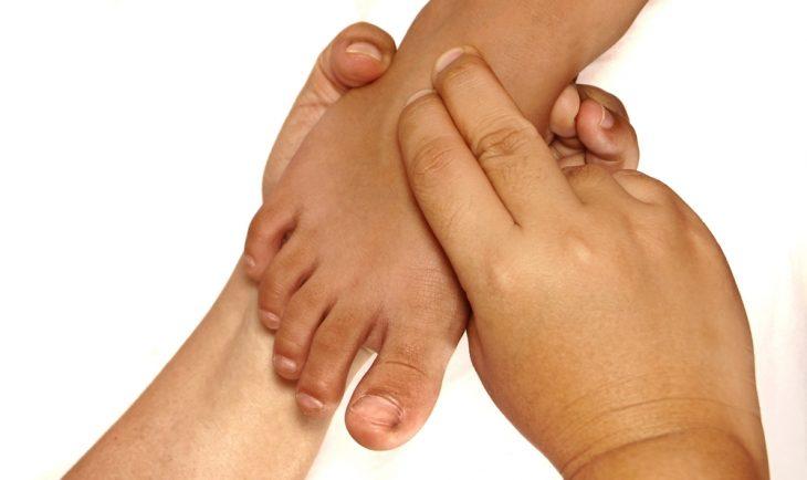 Облитерирующий эндартериит (тромбангиит) сосудов нижних конечностей: причины, симптомы, лечение